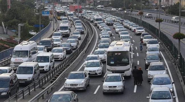 TÜİK: Taşıtlar 2019'da 301 milyar 555 milyon km. yol yaptı